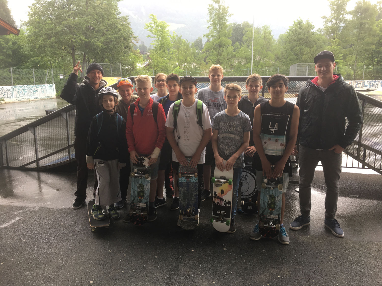 nms sporttage neue mittelschule erste gruppe skateboard headz