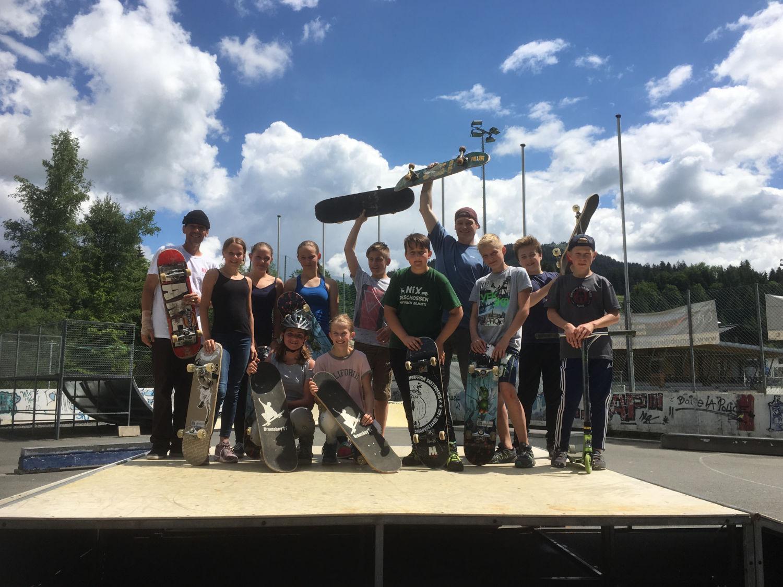 nms sporttage neue mittelschule zweite gruppe skateboard headz